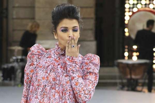 पेरिस फैशन वीक में ऐश्वर्या ने किया शानदार आगाज