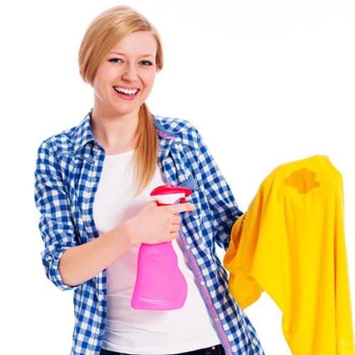 बारिश की बूंदों में कपडो के जिद्दी दाग को दूर करने के 5 घरेलू टिप्स