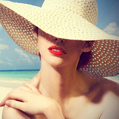 10 घरेलू टिप्स त्वचा को धूप से बचाने के...