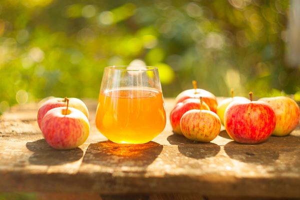 सेब का जूस स्वास्थ्य और सौंदर्य के लिए लाभकारी