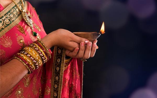 बृहस्पतिवार को घी का दीपक प्रज्ज्वलित करने से कन्या का  विवाह...