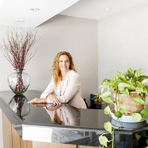 Career tips: Receptionist में पाएं अच्छा वेतन और सुन्दर भविष्य