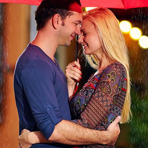 बेजान रिश्ते में भरे प्यार के रंग