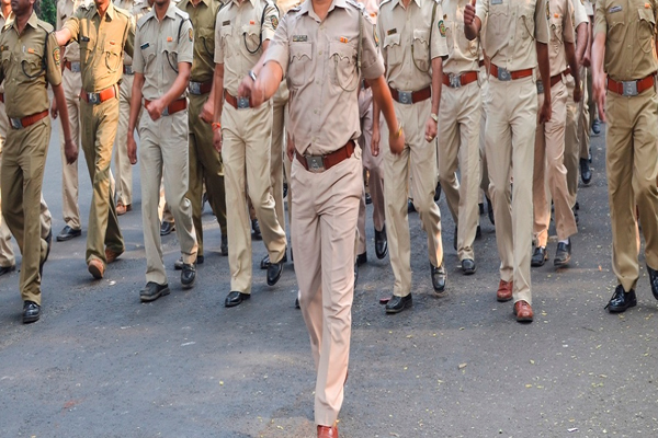 पुलिस में यहां निकली 11880  कांस्टेबल पदों पर भर्तियां, करें आवेदन