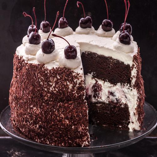 ब्लैक फॉरेस्ट केक से करें क्रिसमस सेलिब्रेशन