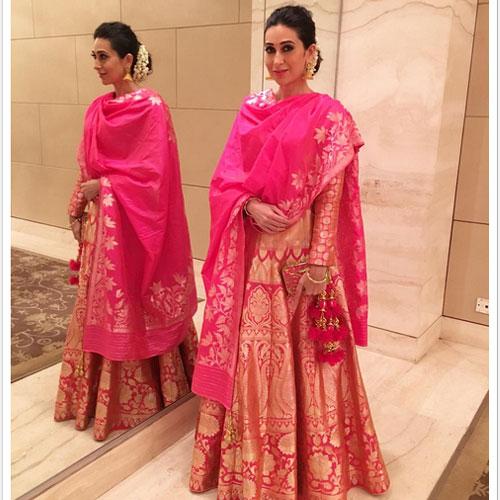 फुल ऑन इंडियन Dresses में अभिनेत्रियां