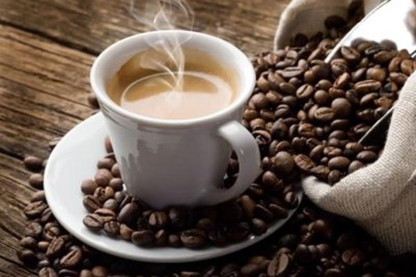 कैफीन रचनात्मकता के लिए नहीं, समस्याओं के समाधान में सहायक