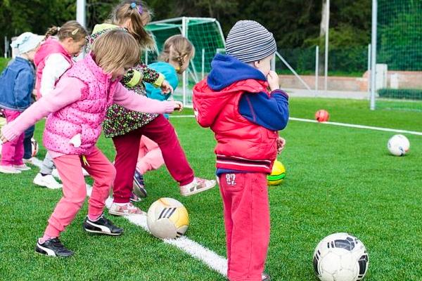 बच्चों को खेलने दें : शोध