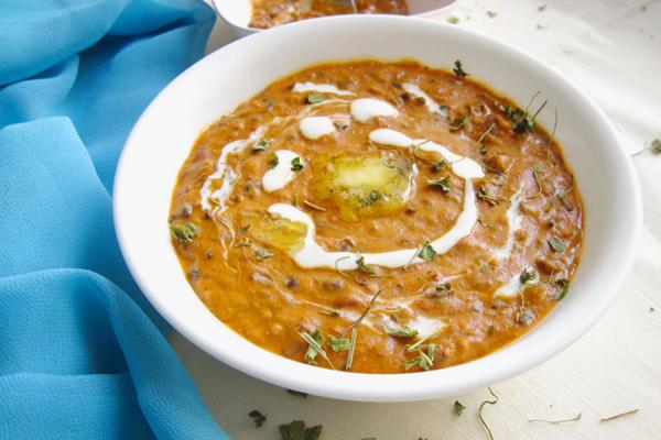 Dal makhani Recipe : घर पर ऐसे बनाएं दाल मखनी