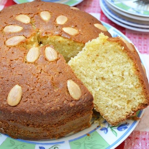 घर में आसानी से बनाईये एगलेस केक....