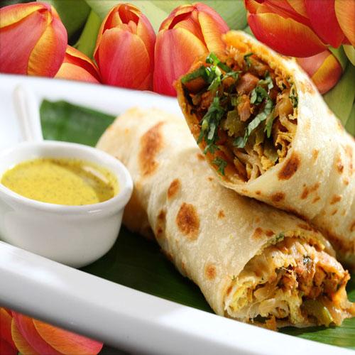 तंदूरी चिकन टिक्का रोल जायकेदार-Tandoori Chicken Tikka Roll
