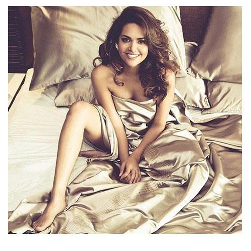 Instagram पर Share हुई ईशा गुप्ता की खूबसूरत Pic