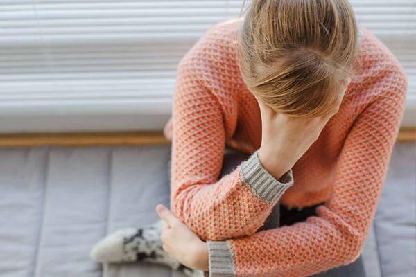 खड़े-खड़े बेहोश होना डिमेंशिया का लक्षण
