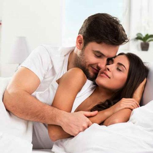 अंतरंग रिश्तों का जायका बढाएं ये 6 जायकेदार टिप्स