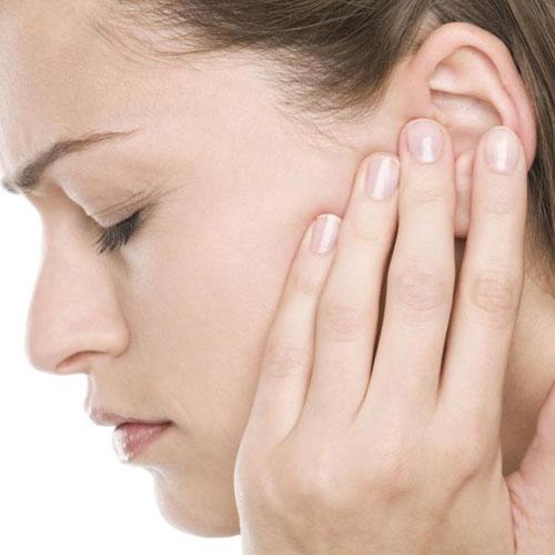 घरेलू नुस्खों से पाएं कान दर्द से निजात