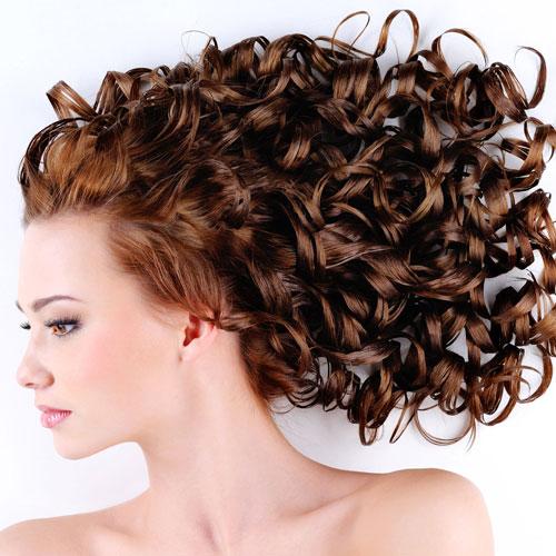 बालों में दिखाएं नैचुरल ब्यूटी