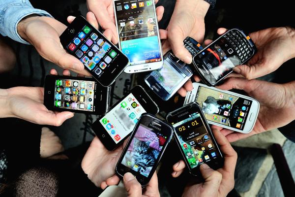 वैश्विक स्मार्टफोन बाजार में पहली बार 2018 में गिरावट