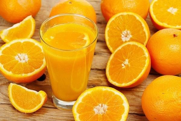 लाना है त्वचा में निखार तो पियें संतरे का जूस