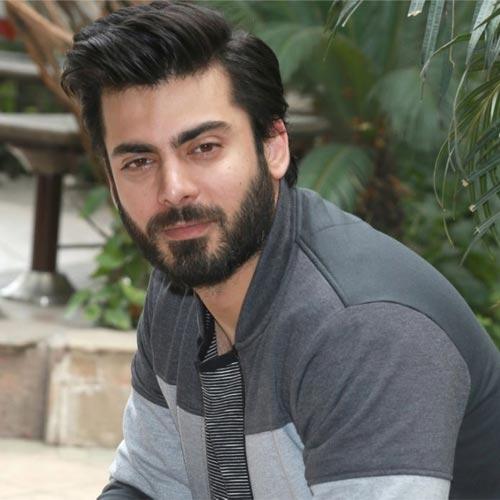 फवाद खान ने प्यार के खातिर की 9 से 5 की नौकरी
