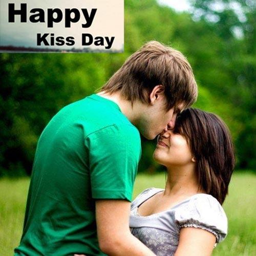 Kiss day पर प्यार का इजहार हो प्यारसी किस के साथ
