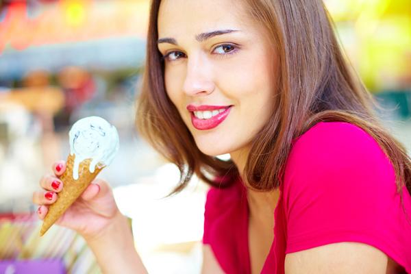 तनाव और मोटापा कम करना है तो खाएं आइसक्रीम