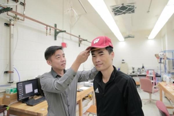 गंजे सिर पर बाल उगाने के लिए उपकरण