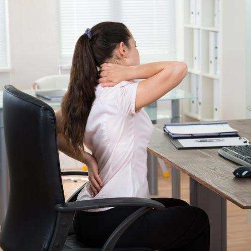 घरेलु नुस्खे: पीठ दर्द से छुटकारा पाएं