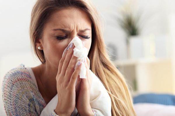 कोरोना और सामान्य फ्लू के लक्षण में ऐसे करें फर्क