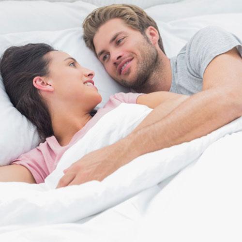 Bed में पार्टनर को खुश करने के लिए...
