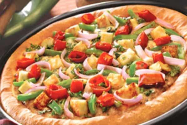 घर में पार्टी टाइम पनीर टिक्का पिज्जा के साथ