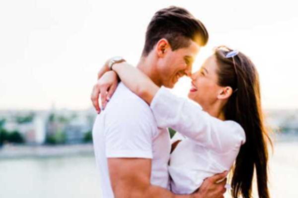ऐसे बनाएं अपने प्यार के रिश्ते को और भी मजबूत