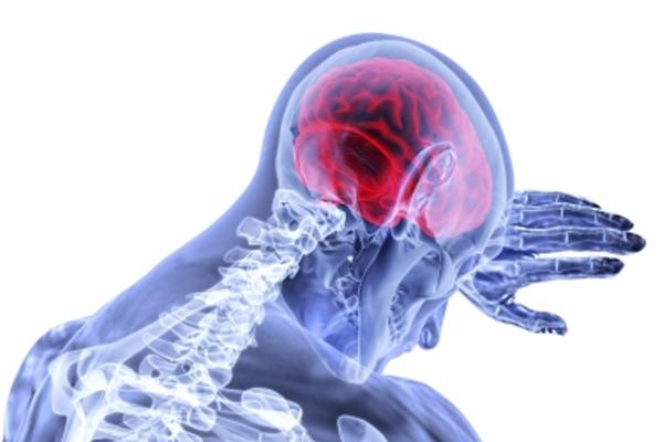 कोविड वैक्स के बाद मस्तिष्क में दुर्लभ रक्त के थक्के का इलाज कैसे करें!