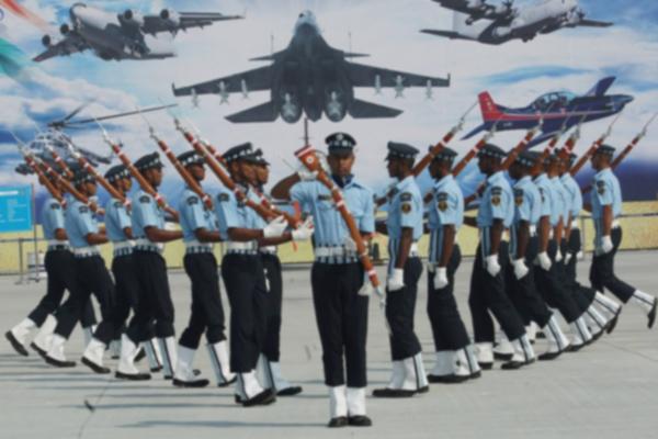 भारतीय वायु सेना में प्रवेश के लिए भर्ती...