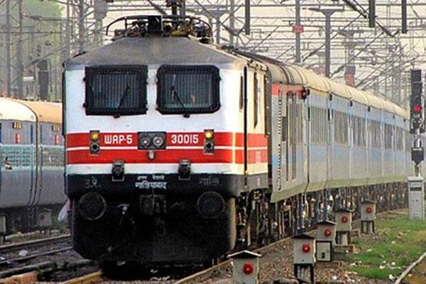 रेलवे में 800 से अधिक पदों पर वैकेंसी, ऐसे करें आवेदन