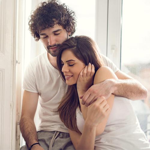 टिप्स:रोमांस में दिलचस्पी बनाये रखने के