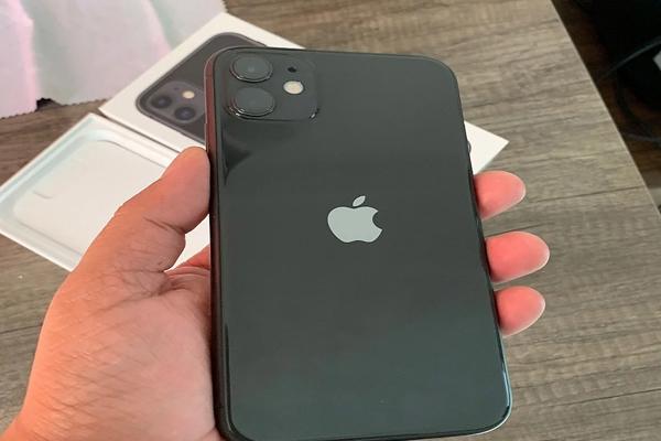 फेस्टिव सेल में आईफोन 11, एसई 2020 की जबरदस्त मांग