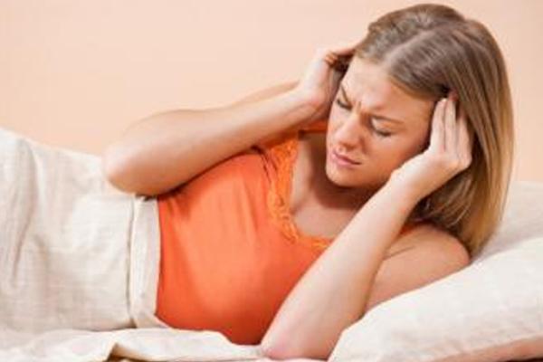 जानें, इन वजहों से हो सकता है आपको सिर दर्द