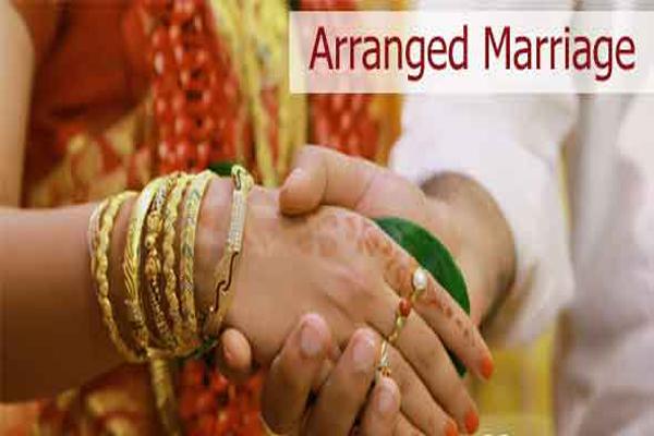 अरेंज मैरिज के फायदें जान कर आप झट से कर देंगे शादी के लिए YES!