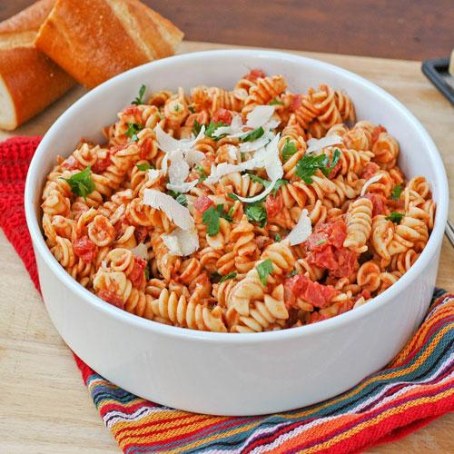 मस्त पास्ता देसी तडके के साथ - Pasta Recipe