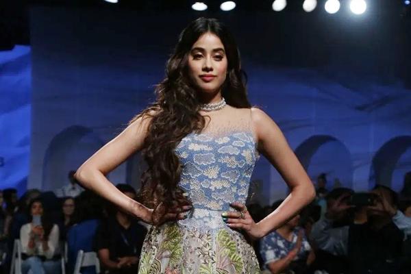 मेरा फैशन मेरे मूड पर निर्भर है : जाह्नवी कपूर