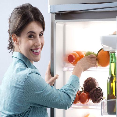 प्राकृतिक उपायों से, फ्रीज के अंदर खुशबू महकाएं