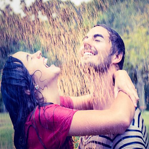 प्यार और स्नेह की रिमझिम बारिश में साथी को लाएं करीब...