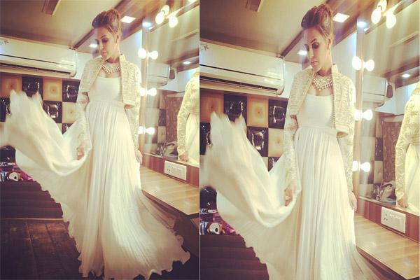 नेहा धूपिया व्हाइट मैक्सी ड्रेस में दिखाई दी बेहद खूबसूरत....