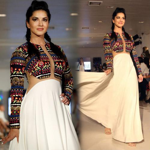 NYFW फैशन Week में सनी और प्रियंका Hot अंदाज
