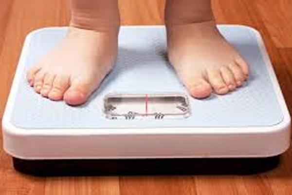 आंकड़े बताते हैं कि बच्चों में मोटापे को शुरुआत में रोकने से...