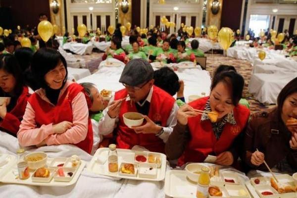 चीन के एक-तिहाई लोगों को नहीं मिलता सुबह नाश्ते का वक्त