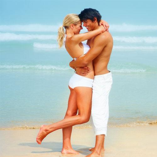 बेजान रिश्ते में फिर से प्यार के रंग भरना...