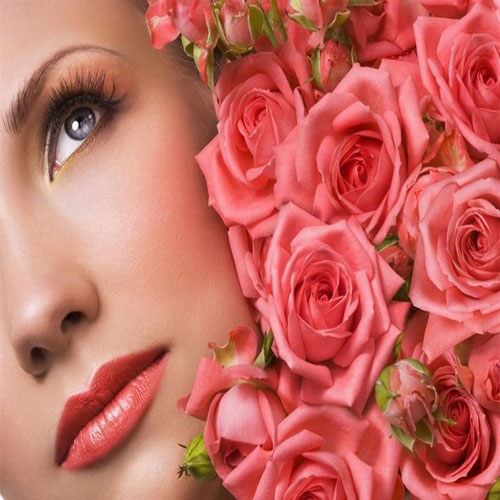 गुलाबी-निखरी त्वचा मिले गुलाबजल से
