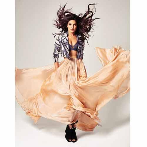 EMMY के cover पर  Priyanka की कातिल अदा