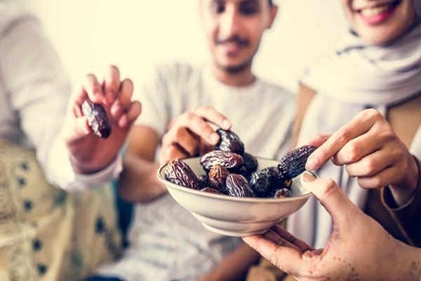 रमजान में खाया जाने वाला फल खजूर स्वस्थ और पौष्टिक होता है